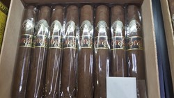Corona Cigar Club Picture