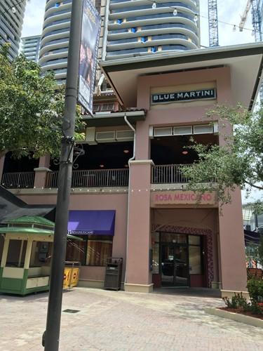 Pearl Martini Lounge image