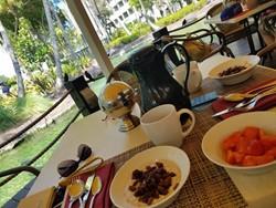 Laguna Restaurant Picture