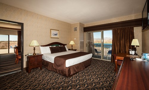 DELUXE SUITES Room At BlueWater Resort & Casino