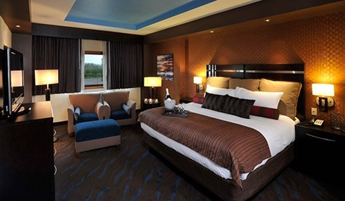JUNIOR SUITES Room At Spirit Mountain Casino