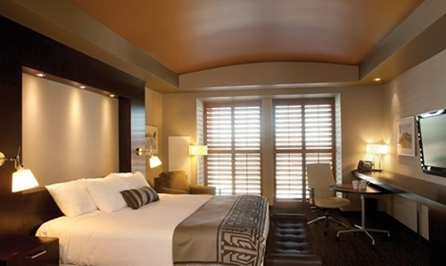 DELUXE KING / TWO QUEEN HOTEL ROOM Room At Talking Stick Resort