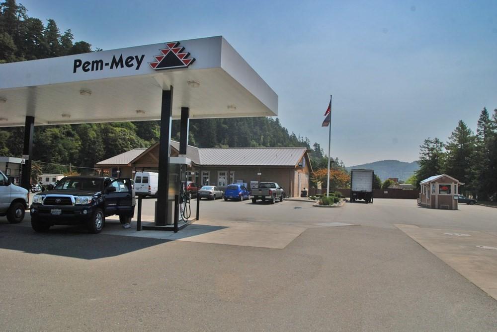 Pem-Mey Fuel Mart