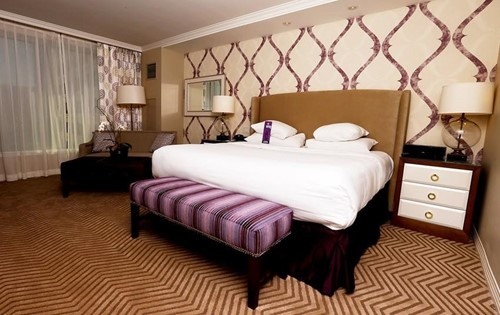 Premium King Suite Room At Harrah's New Orleans Casino