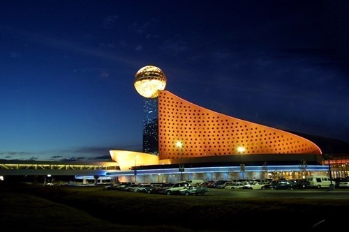 Golden Moon Hotel & Casino image