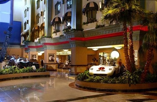 Hollywood Casino - Tunica image