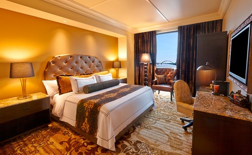Luxurious Executive Room Room At River City Casino & Hotel