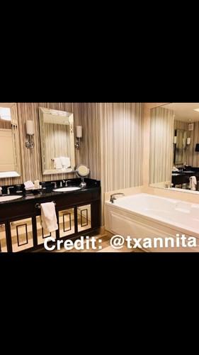 Laurel Premium Room image