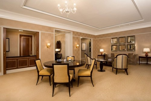 Suites rooms at caesars palace nevada - Penthouse ac du square one studio ...