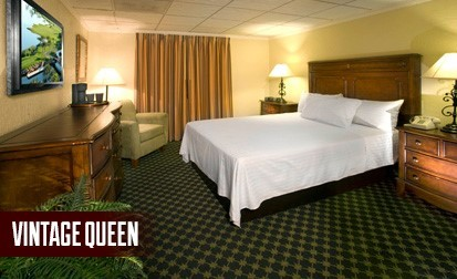 Vintage Queen Room At El Cortez Hotel & Casino