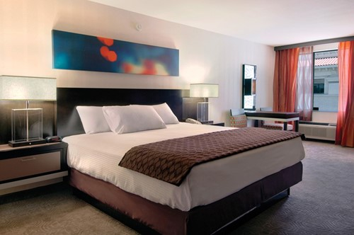 Deluxe Room Room At Gold Coast Hotel and Casino