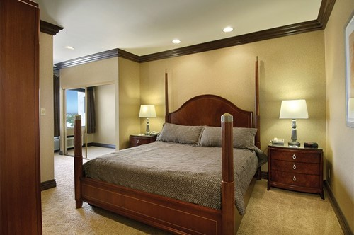 Executive Suite 1 Bedroom Room At Gold Coast Hotel and Casino