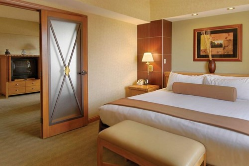 Premium Spa Suite Room At Harrah's Lake Tahoe Hotel and Casino