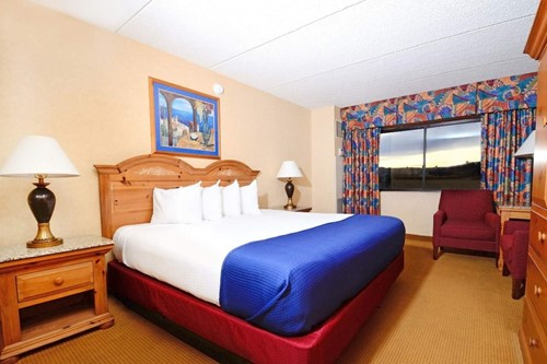 Central Tower Deluxe Room At Harrah's Laughlin Casino & Hotel