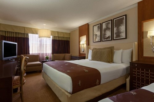 Deluxe Room At Harrah's Reno Casino and Hotel
