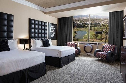 How To Get Comped Hotel Rooms