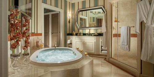 Grand One Bedroom King Suite At The Venetian Las Vegas
