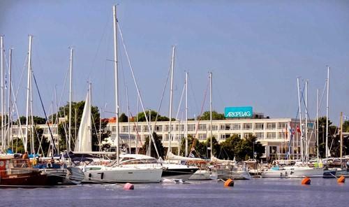 Arkipelag Hotel & Casino image