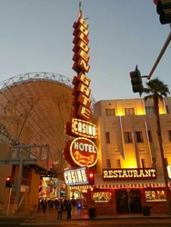 Le Golden Vegas Rest