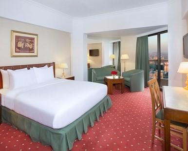Hilton Room image