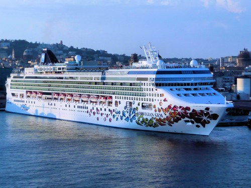 Norwegian Gem Ship At Norwegian (NCL)