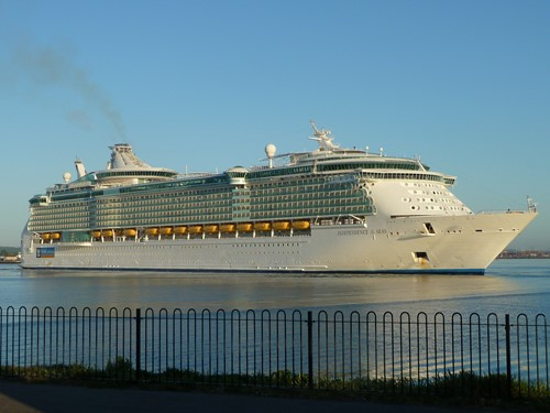 Independence of the Seas image