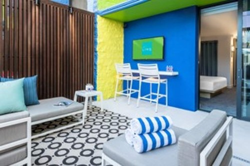 DELUXE POOLSIDE CABANA Room At The Linq Hotel and Casino Las Vegas