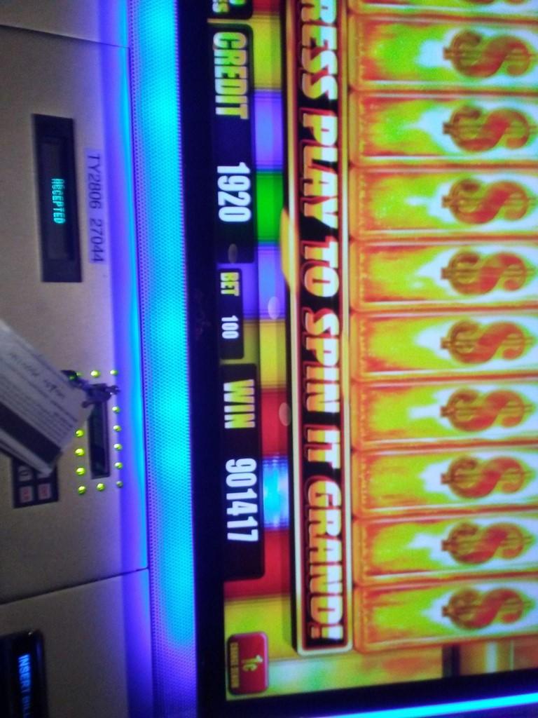 las vegas giant slot machine