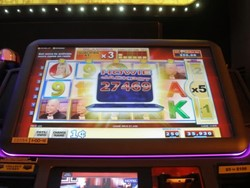 Deal Or No Deal-Join N Play slot machine