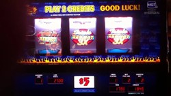 Triple Red Hot 7S slot machine