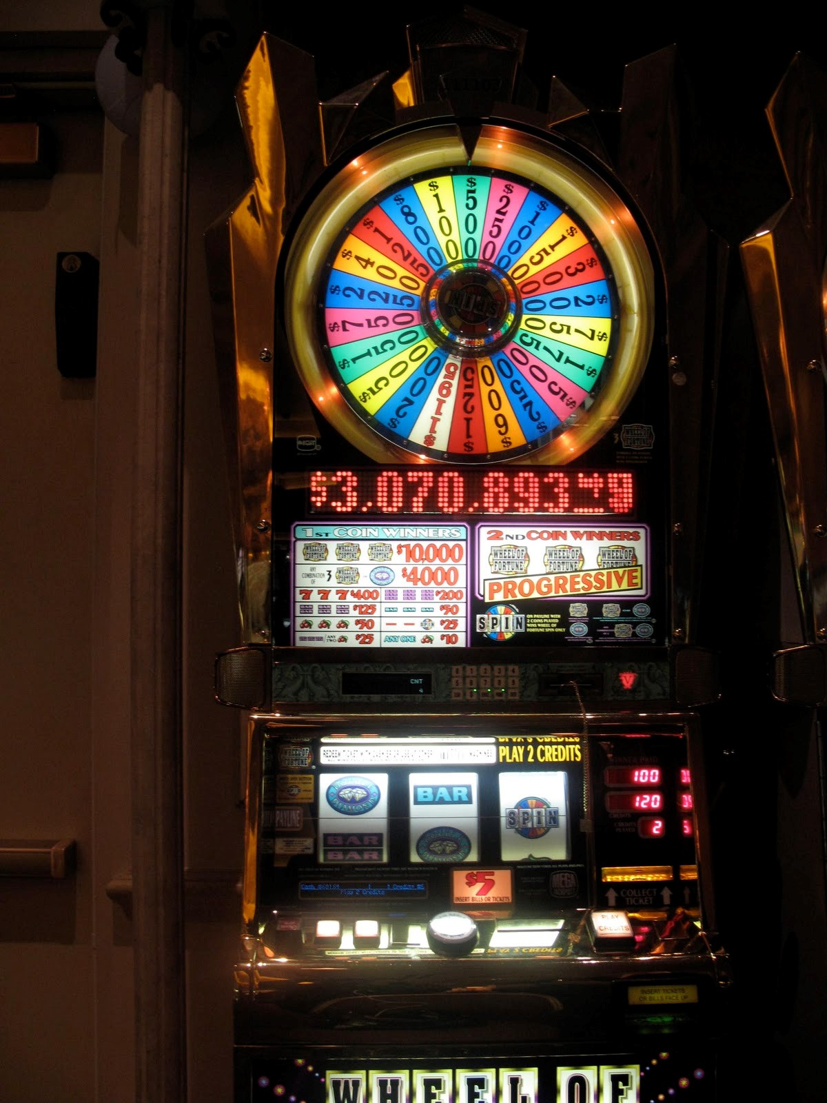 Wheel Of Fortune-Classic Slot Machine by IGT